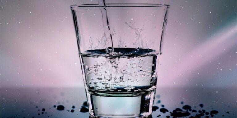Fábula Cuánto pesa un vaso con agua, sobre el estrés